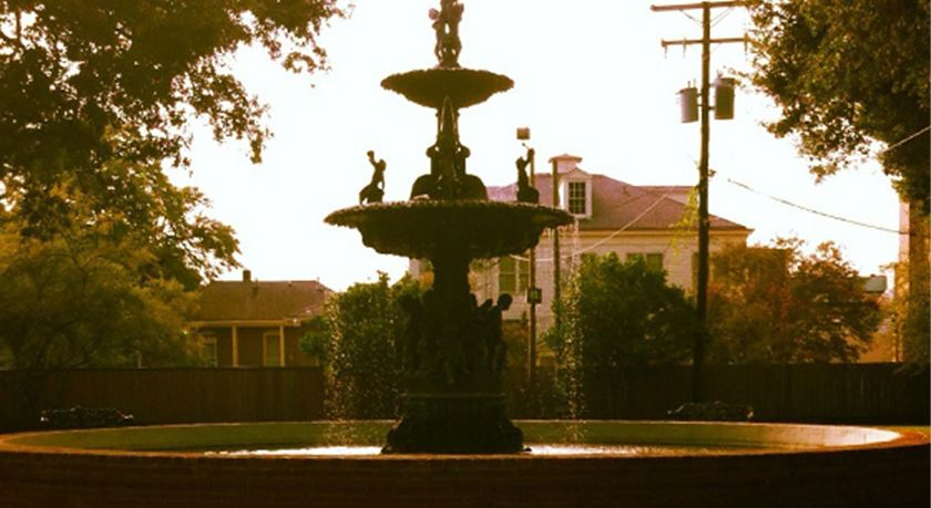 Fountain with figurines